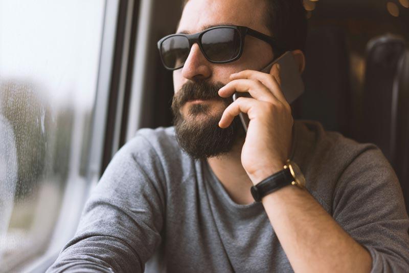 آلرژی فصلی,16-prevent-allergies-men-sunglasses