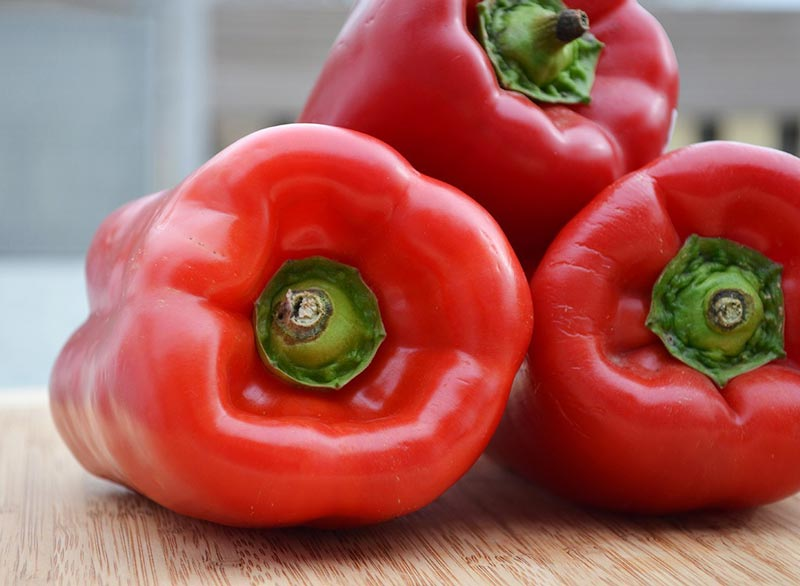 red-bell-peppers فلفل دلمه ای