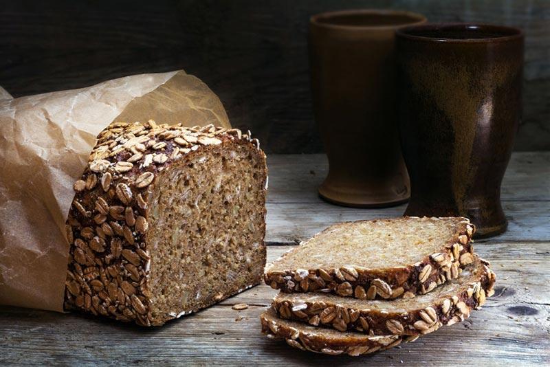 نان تهیه شده از ارد سبوس دار