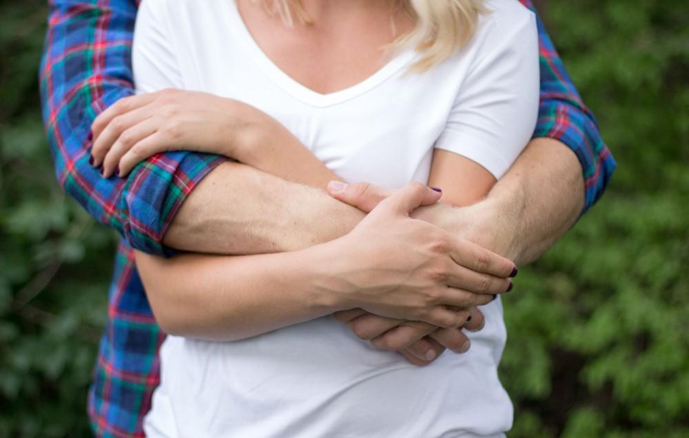 4 قانونی که باید برای داشتن رابطه سالم تر و شادتر دنبال کنید