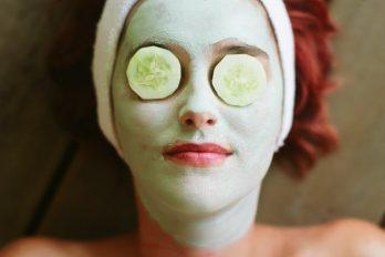 طرز تهیه ۸ ماسک طبیعی ضد جوش صورت