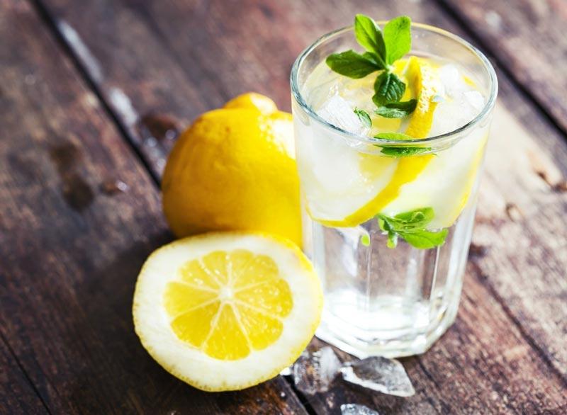 از بین بردن سریع نفخ شکم,lemon-water