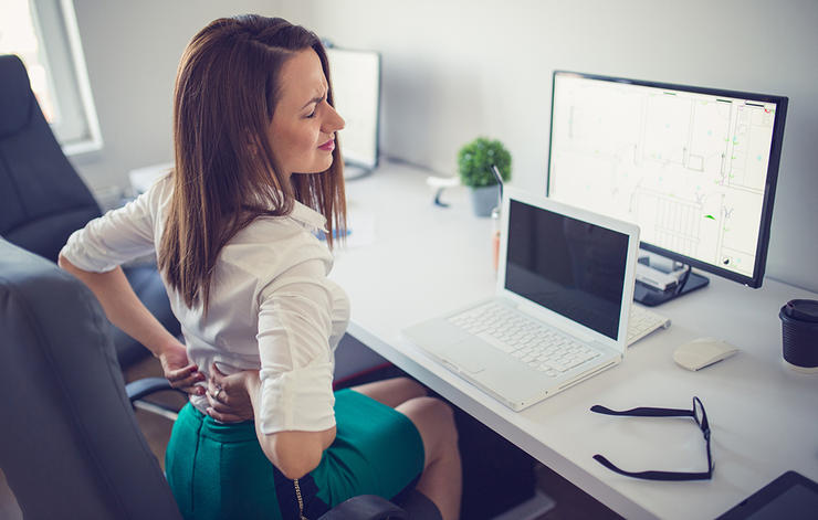 چرا کمرم درد میکند؟ 7 علت اصلی درد کمر