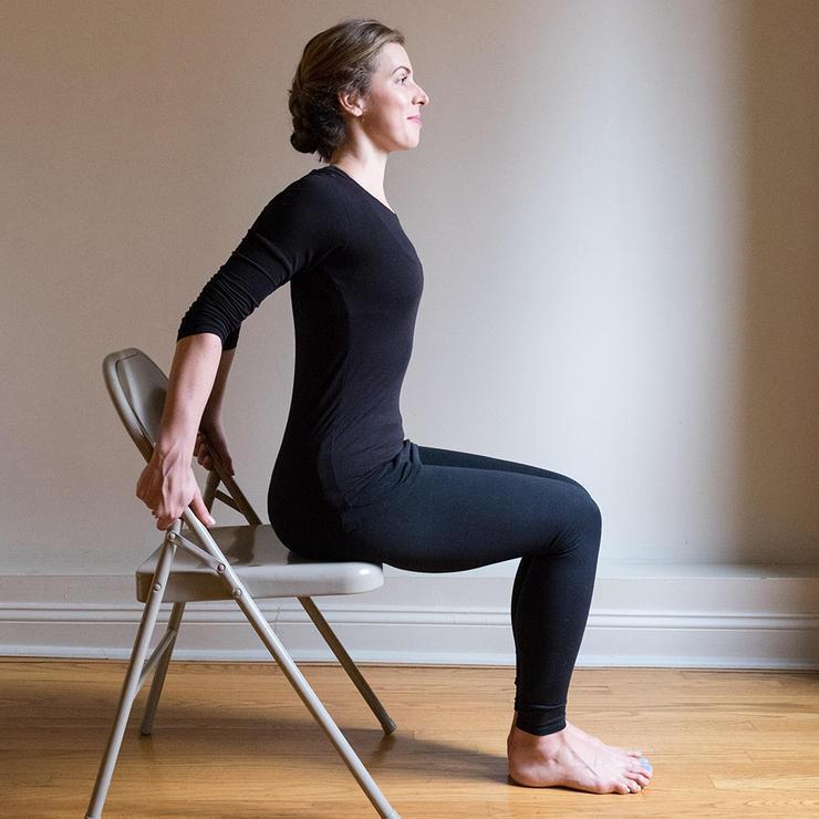 تمرین تقویت عضلات گردن,ورزش کاهش گردن درد,باز کردن قفسه سینه به حالت نشسته
