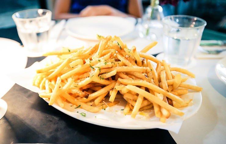 برای لاغری چه نخوریم,غذاهای مضر برای کاهش وزن,french-fries-سیب زمینی سرخ شده