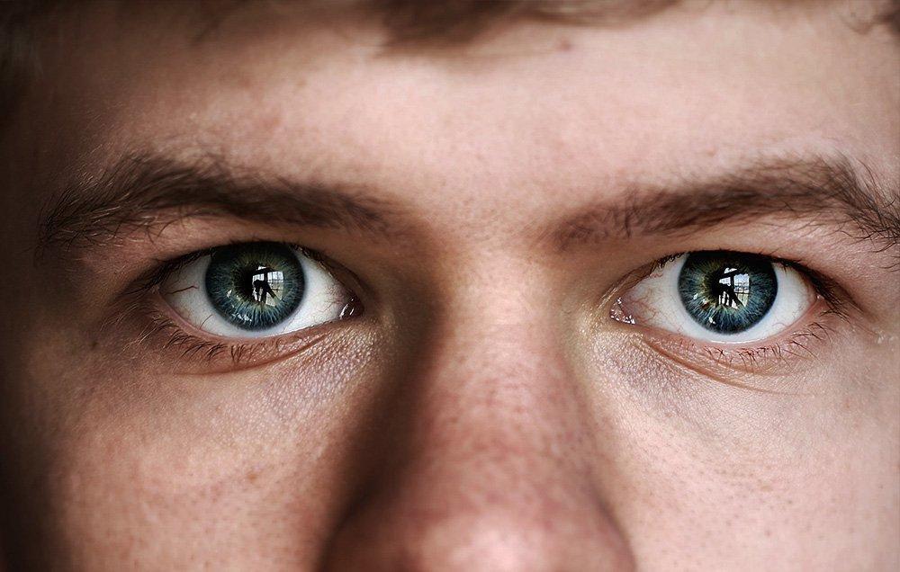 عادت های مضر برای چشم,عادات بد برای چشم