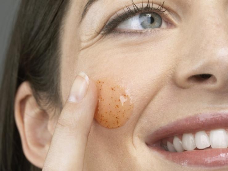 آلوورا به عنوان لایه بردار پوست
