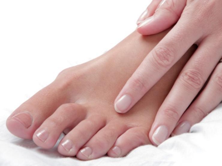 کاربردهای آلوورا,آلوورا برای پاهای خشک و ترک خورده