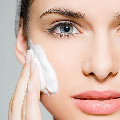 برای جوان شدن چه باید کرد,apply-sunscreen-everyday-هر روز از ضد آفتاب استفاده کنید