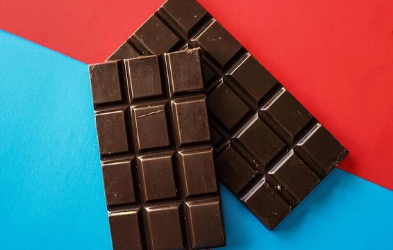 شکلات تلخ و بهبود سندرم پیش از قاعدگی