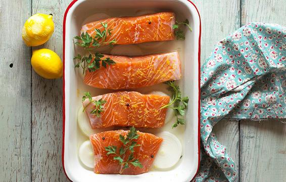 ماهی سالمون برای سندرم پیش از قاعدگی