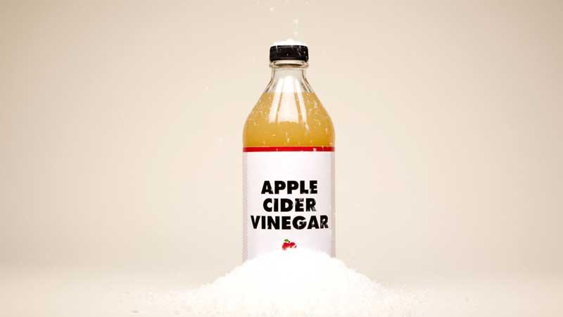 شوره سر با سرکه سیب-apple-cider-vinegar-dandruff