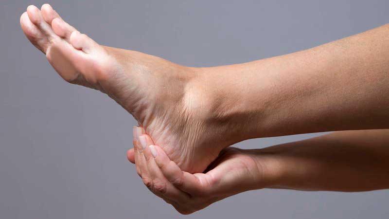دلیل درد پا,تسکین درد پاشنه پا,التهاب رباط کف پا