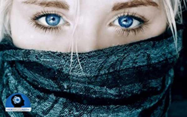 1blue تغییر رنگ چشم سلامت