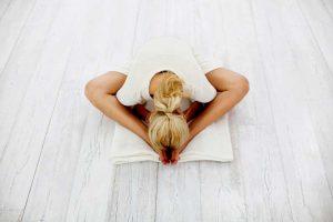 تمرین یوگا برای کاهش استرس و اضطراب