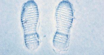 سردی پاها نشانه چیست