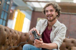 تحقیق در مورد مزایای بازی های رایانه ای