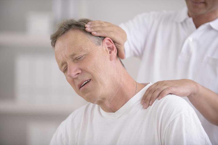 دلیل درد پشت سر چیست؟ ۳ علت و درمان دردپشت گردن