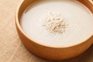 خواص آب برنج برای مو سر