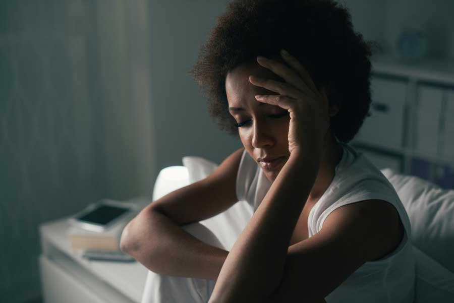 درد پشت گردن نشانه چیست و چگونه آن را رفع کنیم؟