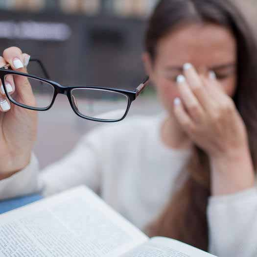 ضعف بینایی از عوارض دیابت کنترل نشده