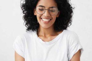 پلک زدن برای رفع خشکی چشم