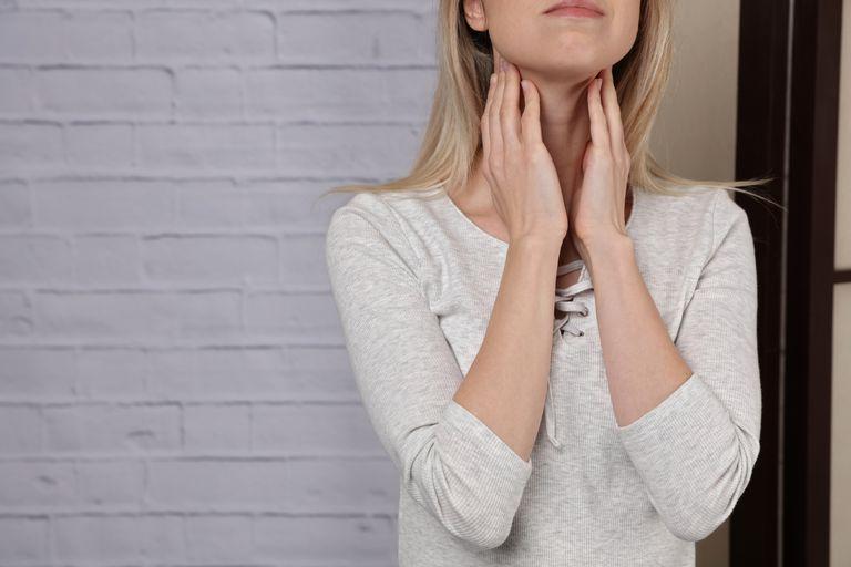 علت بی حسی دست ها چیست,اختلالات تیروئید