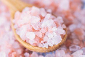 نمک دریایی چیست و چه خواصی دارد؟