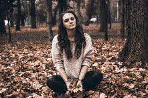 چگونه به افرادی که PTSD دارند کمک کنیم؟