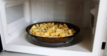 کدام غذاها را مجدداً در ماکروویو گرم نکنیم؟