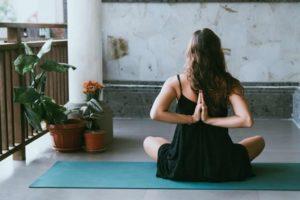 چگونه ورزش یوگا را شروع کنیم؟