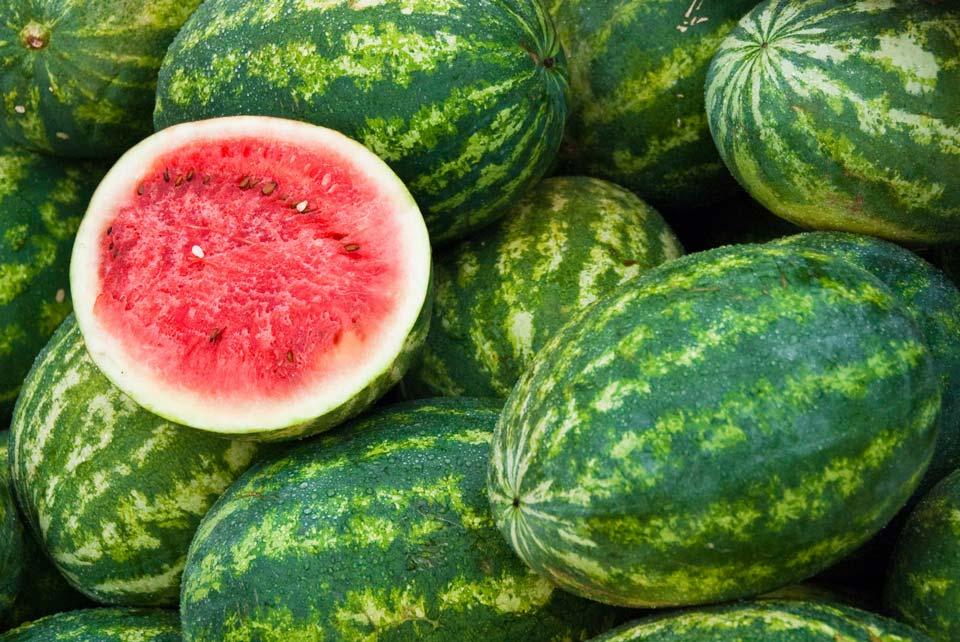 خوراکی های آب رسان بدن و پوست,هندوانه