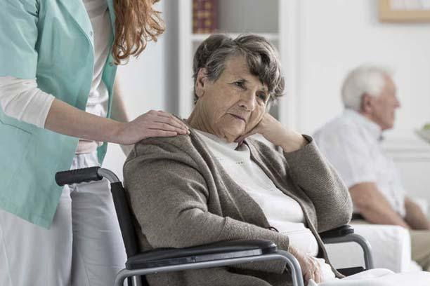 علائم آلزایمر در سالمندان
